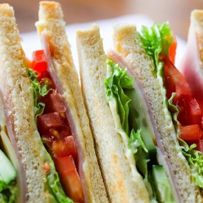 Nuestro sandwich vegetal. Restaurante Museo del Jamón