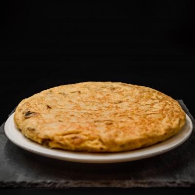 Tortilla de patata entera. Museo del Jamón de Alcorcón