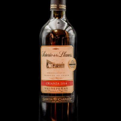 Botella Vino Señorío de los llanos crianza. Restaurante Museo del Jamón de Alcorcón