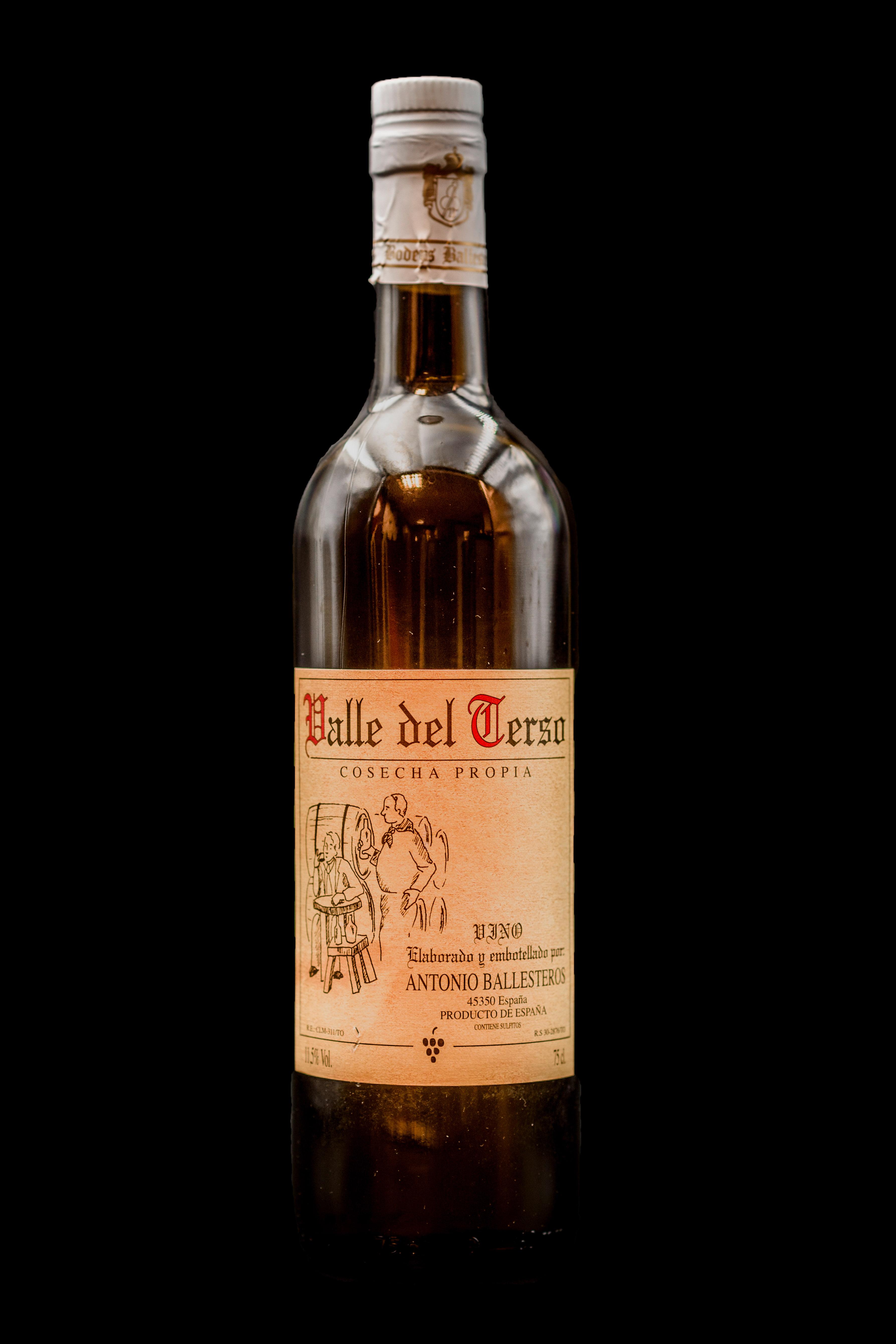 Carta de Vinos. Valdepeñas de la casa. Restaurante Museo del Jamón de Alcorcón (Parque Oeste)